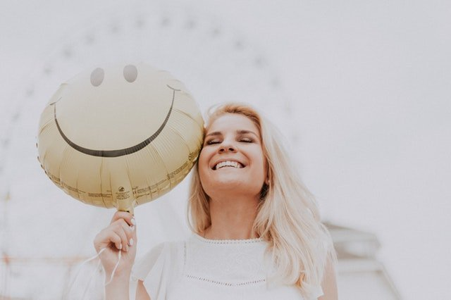 How to Keep a Positive Attitude with a Negative Net Worth